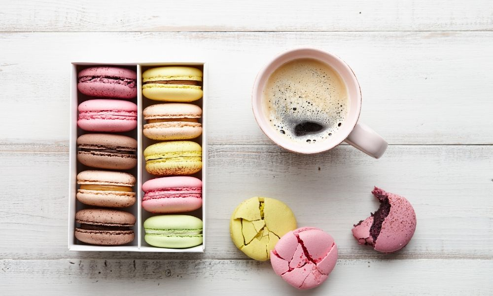 Why do people love macarons? Coffee and Macarons