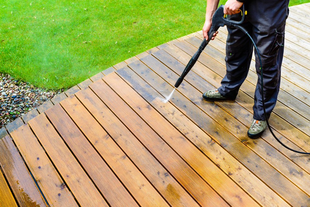 Businesses to Start With $1,000, pressure washing business
