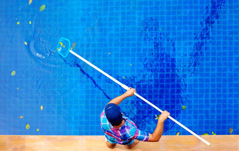 start a pool cleaning company