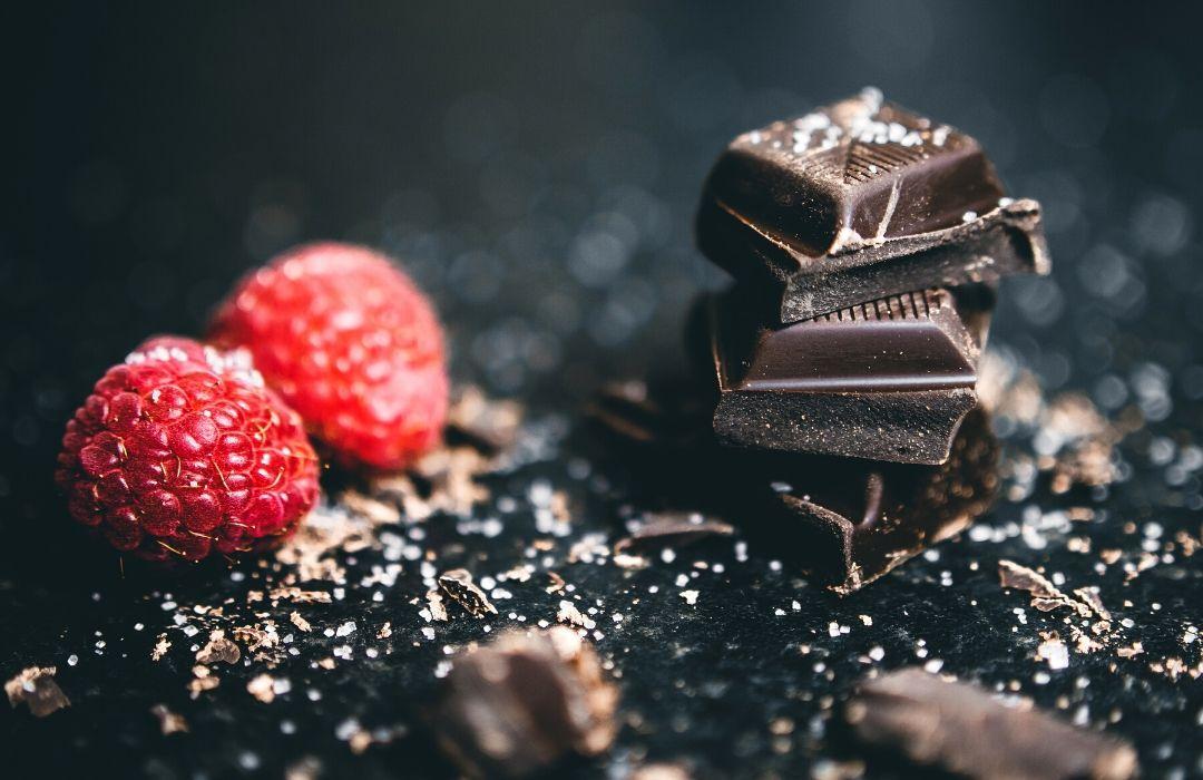 Permissive Indulgence - Dessert Trend - Macaron Money