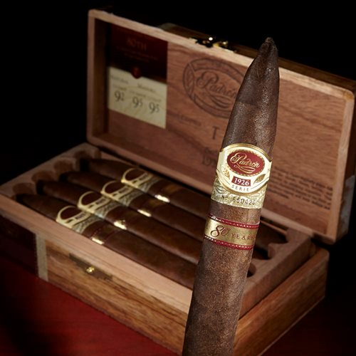 Padron Serie 1962 80 Years cigars
